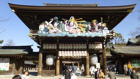 Samukawa Shrine : 神門