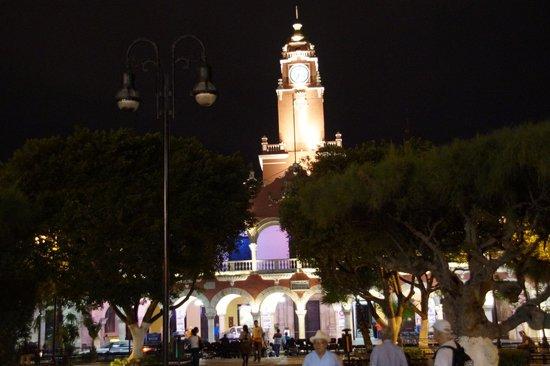 Hotel Hacienda Merida: Merida centre ville