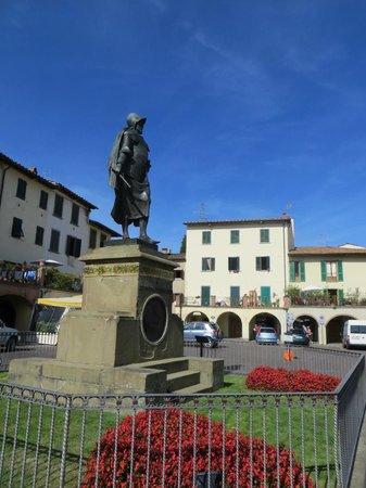 Discovery Chianti: Giovanni da Verrazzano statue