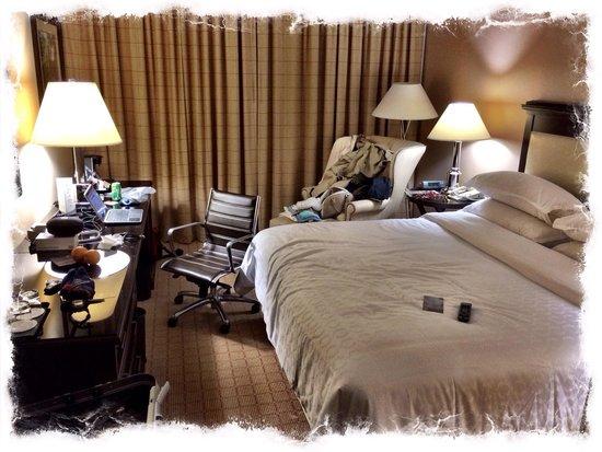 Sheraton Chapel Hill Hotel: Hotel Room