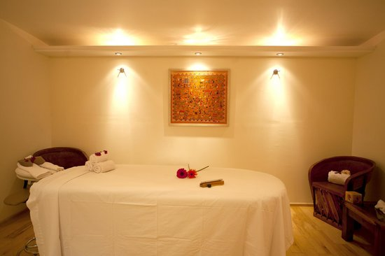 Comoda cabina de masajes fotograf a de hotel boutique la for Resort termali in cabina