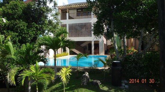 Amorita Resort : Outside of rooms