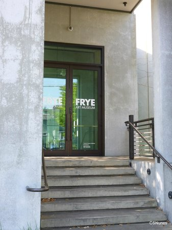 Frye Art Museum: Another entrance to the Frye Museum