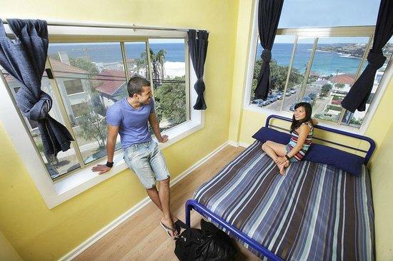 Bondi Beachouse YHA: Double Room