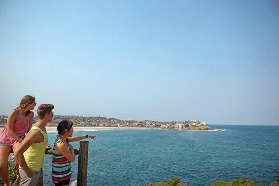 Bondi Beachouse YHA: Coastal Walk