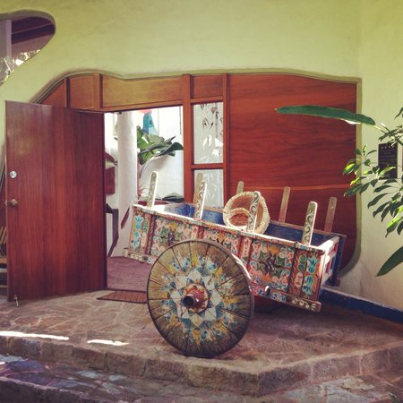 Finca Rosa Blanca Coffee Plantation Resort: Outside the main house