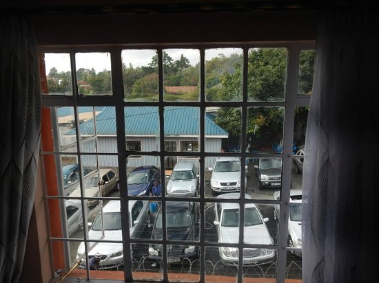 Comfort Gardens Guest House : View of car park from my room