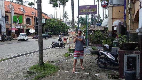 Globe Bar, Senggigi
