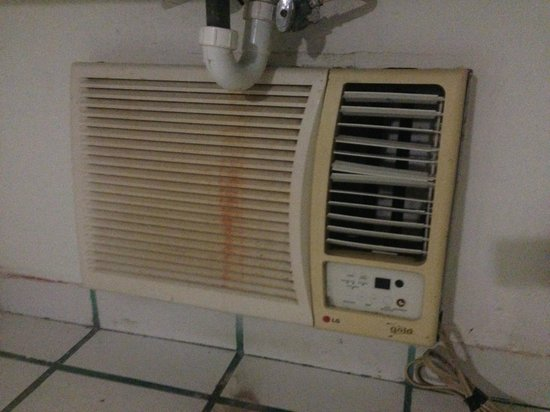 Hotel Copa : Hotel en Playa del Carmen: AC Unit is not clean, but does work