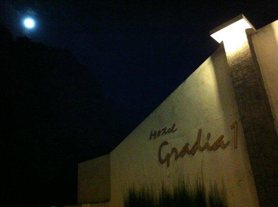 Villa & Family Hotel Gradia: Very Late check in