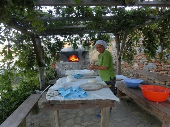 Karia Bel' Hotel & Restaurant: Bread making for the day ahead