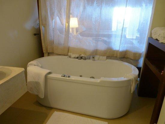 Secrets St James: Da tub