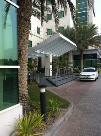 Premier Inn Dubai Investments Park Hotel: frontal view
