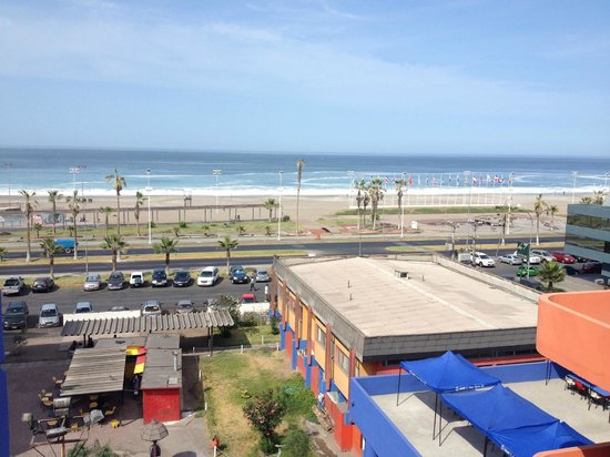 Holiday Inn Express Iquique: View of Brava beach from 3rd floor room