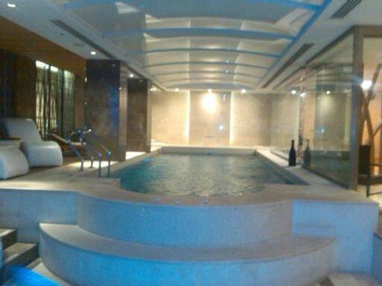 Levni Hotel & Spa: piscina e relax
