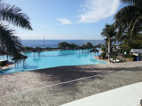 Gran Melia Palacio de Isora Resort & Spa: Picture postcard pool