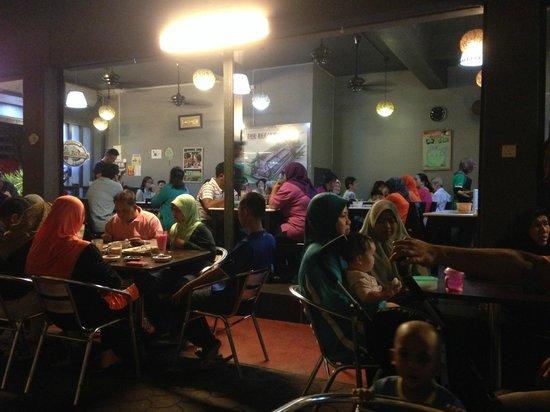Satay Zul: Restaurant Ambiance
