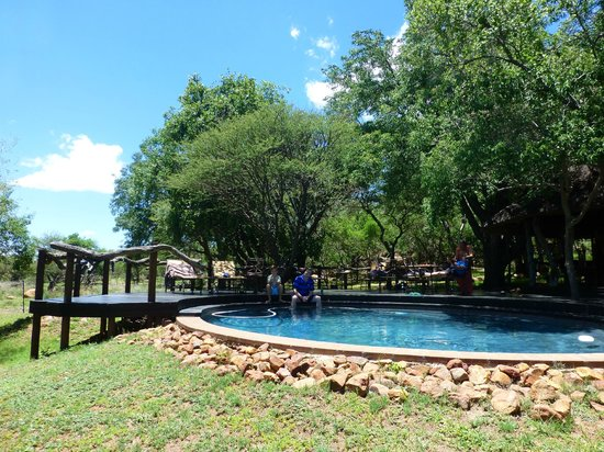Itaga Luxury Private Game Lodge: Lovely pool area