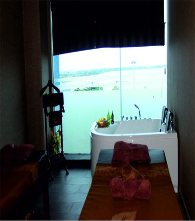 Eska Wellness Spa Massage and Salon: Spa room at ESKA Mega Mall