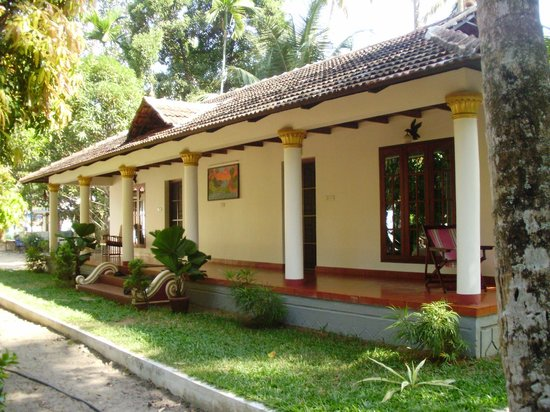 Riverside Heritage Homestay : The chalets near the river