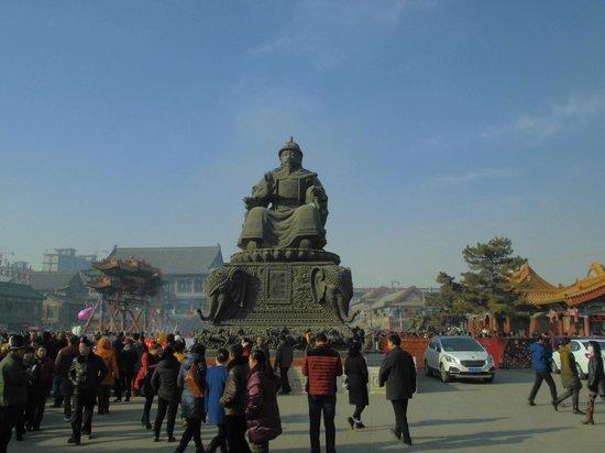 Dazhao Temple: アルタン・ハン(阿拉坦汗)像