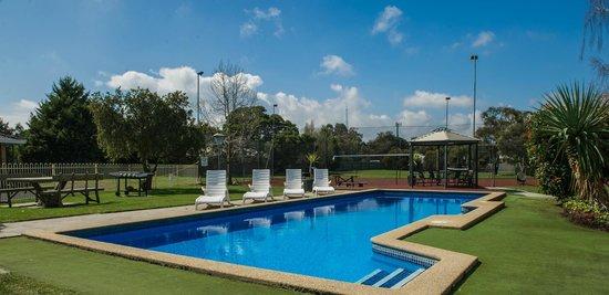Lovely pool at Frankston Motel