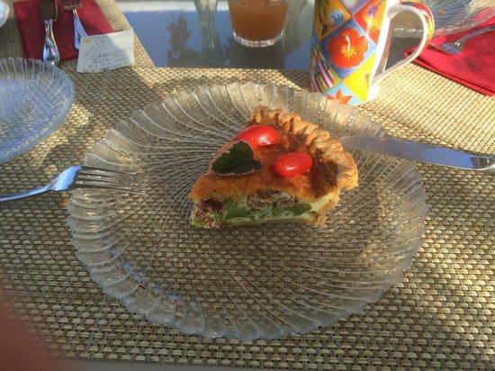 Hale Ho'ola B&B: Breakfast Home Style