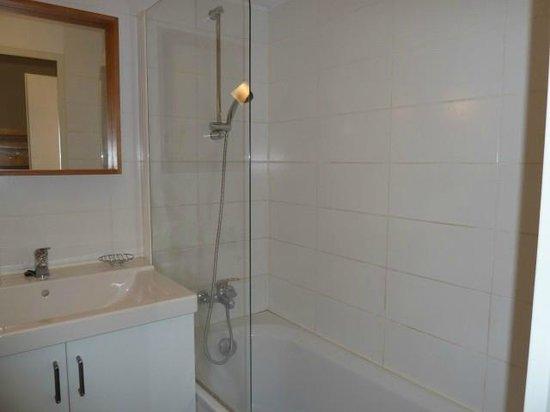 Residence les Neves: Salle de bains