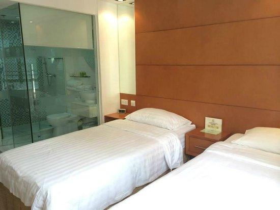 JJ Hotel: Twin room