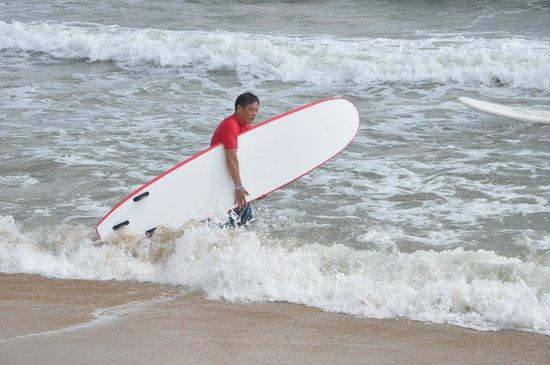 Mumu Surf School : Mumu 's surf shop