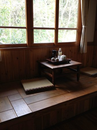 Old Five Guesthouse : Window seat in our room
