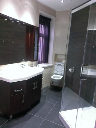 Hotel Sint Nicolaas: Bathroom