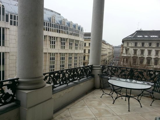 Palais Coburg Hotel Residenz: Blick Imperial Suite Balkon Terrasse zu Wien