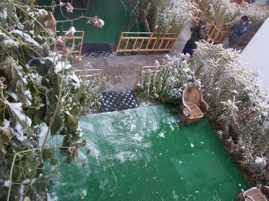 Hotel Tso-kar: Snowfall.