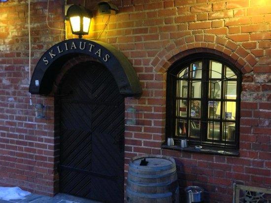 Skliautas: an inviting entrance