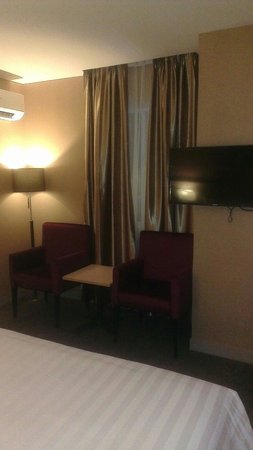 Biz Hotel: Deluxe Room 2