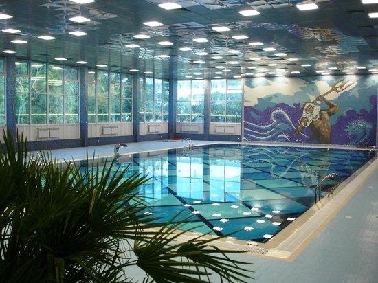 Саки: Зимний крытый бассейн