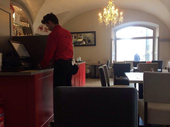 Cafe 22: Interier
