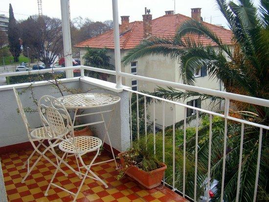 Boban Luxury Suites : balcony