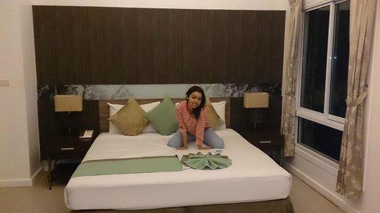 Al's Laemson Resort: Härlig säng i fint rum
