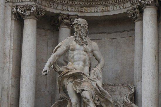 Trevi-Brunnen (Fontana di Trevi): Close up of Trevi