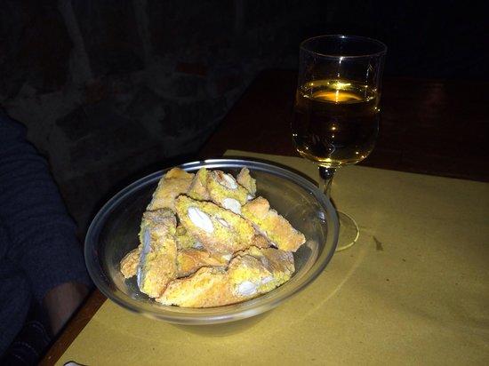 Boccanegra: Cantucci con vin santo