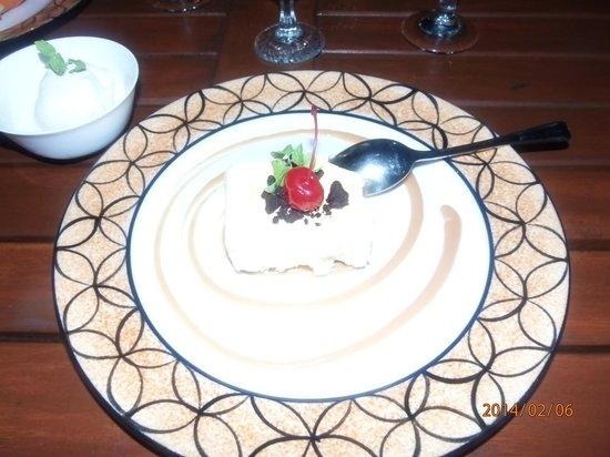 The Wet Edge: cheesecake and icecream