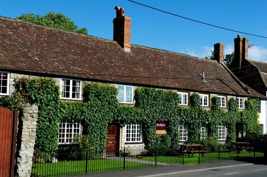 Northover Manor Hotel: Outside View of Hotel