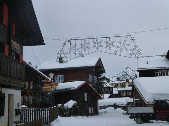 Schilthorn: Murren under snow