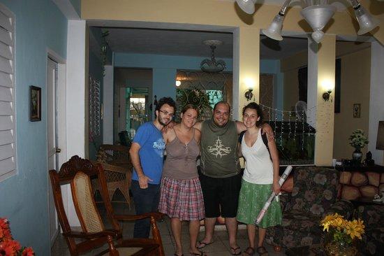"""Casa """"Don Carlos"""": Carlos e la moglie"""