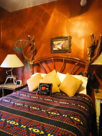 Adobe Abode Bed and Breakfast Inn : Cabin in the woods