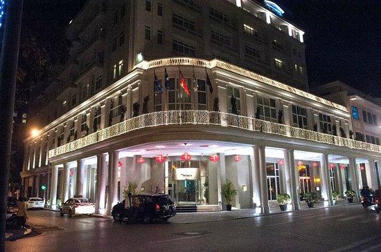 Hotel de l'Opera Hanoi: Hotel Entrance