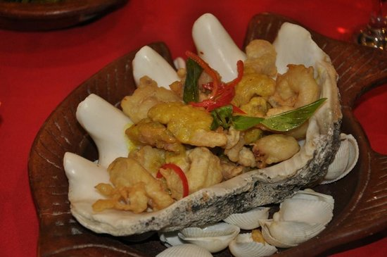 Lara Djonggrang: Fried Squid, but I forgot the exact name of this dish.