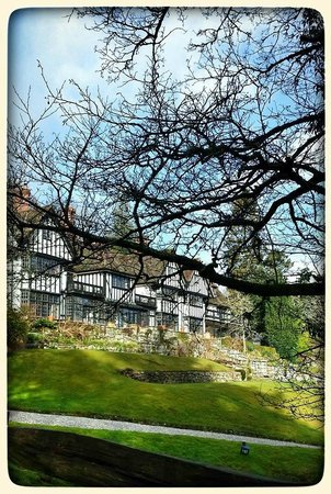 Gidleigh Park Hotel: View from approach